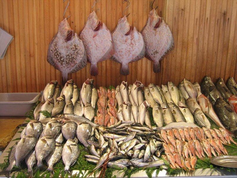 Galatasaray Beyoğlu Balık Pazarı, İstiklal Caddesi