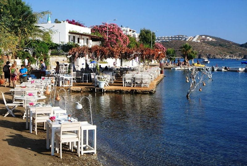 Burgazada Gezi Rehberi (Gezilecek Yerler, Aktiviteler, Plajlar + Tavsiyeler)