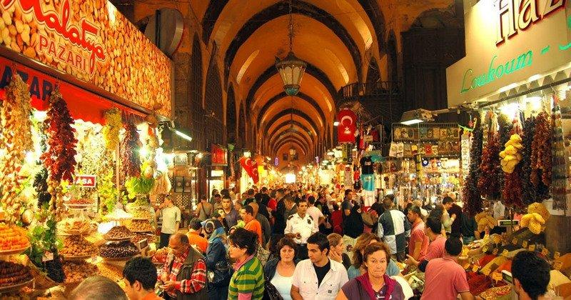 Mısır Çarşısı, Eminönü (Nerede? Ziyaret Saatleri)