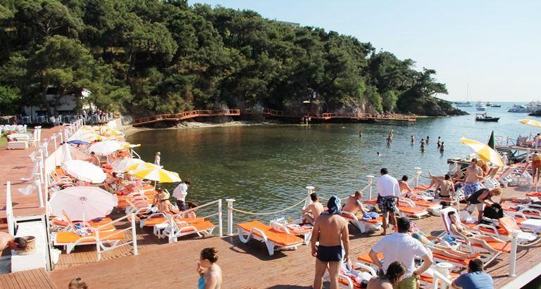 Heybeliada Plajları ve Beachler (2021 Giriş Ücretleri, Ulaşım)