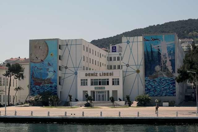 Heybeliada Gezi Rehberi (Gezilecek Yerler, Aktiviteler, Plajlar + Tavsiyeler)