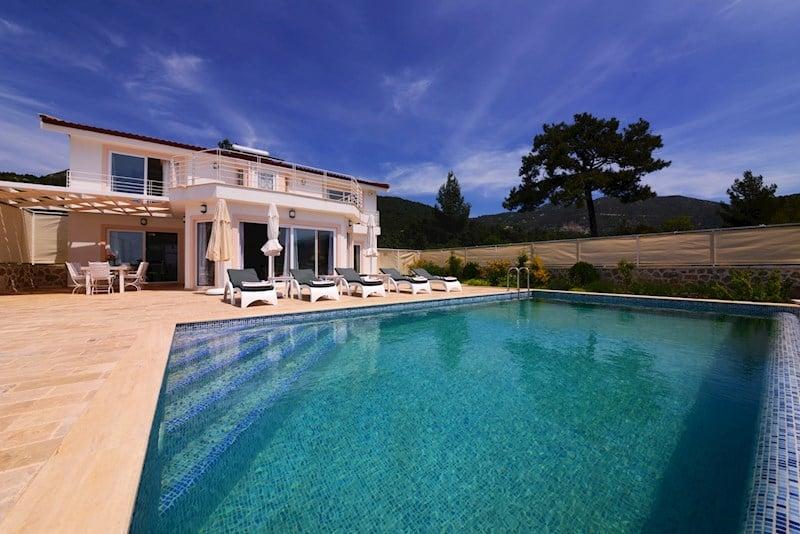 Gizliliğe Önem Veren Tatilciler için; Korunaklı Villa Tatili