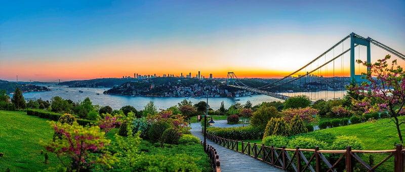 Anadolu Hisarı Gezi Rehberi (Gezilecek Yerler, Mekanlar + Tavsiyeler)