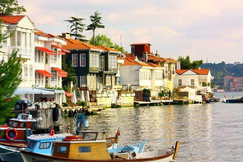 Büyükada Gezi Rehberi (Gezilecek Yerler, Aktiviteler, Plajlar + Tavsiyeler)